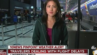 People Dealing with Travel Delays Before Xmas - Video