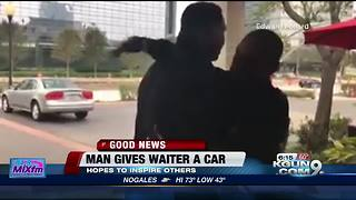 Man gives favorite waiter a car - Video