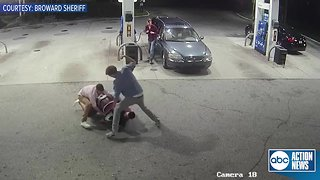 Spring breakers fight off attempted robbery, tackle gunman at Florida gas station | Surveillance video
