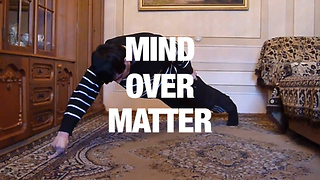 Man Masters Two-Finger Push-Ups - Video