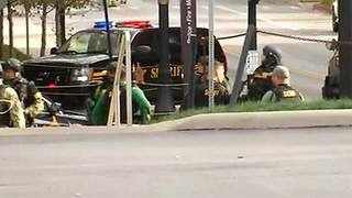 8 injured, 1 suspect dead in attack at Ohio State University - Video