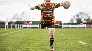 Tackling Adversity! One-armed Rugby Player Is Captain Of Able-bodied Team