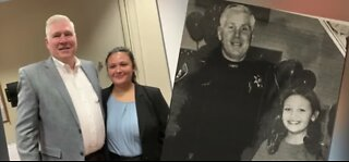 Las Vegas police officer inspires woman