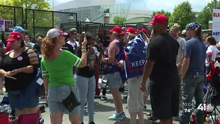 Protesters, Trump supporters have dialogue at Tulsa rally