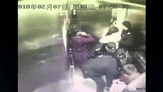 Expectant mother gives birth in elevator - Video