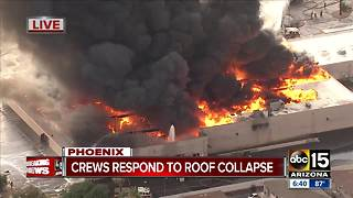 Massive fire breaks out at Phoenix Safeway store - Video