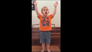 Passionate Toddler Dramatically Sings 'Les Miserables' Epilogue - Video
