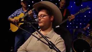Disabled Teen Enters Talent Show & Gives Audience Chills With Stunning Country Cover - Video