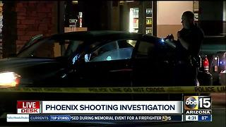 Man shot in vehicle in Phoenix - Video