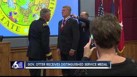 Governor Otter receives Distinguished Service Medal