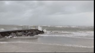 Florida's Gulf Coast Hit with Powerful Winds - Video