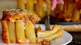 Delicious rigatoni pie recipe - Video