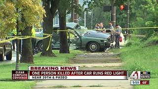 1 dead after crash at 39th and Paseo - Video