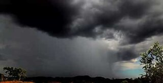Time-lapse shows storm in Australia