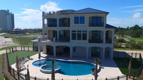 This Florida Mansion on the Beach Has a 15-Person Hot Tub