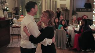 Epic mother & son dance shocks wedding guests - Video