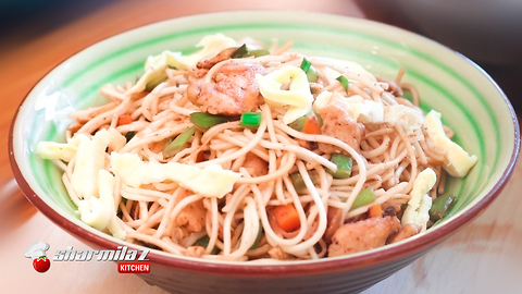 Delicious chinese: Chicken hakka noodles