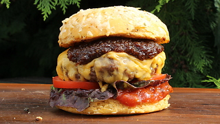 Mouthwatering bacon jam burger recipe - Video