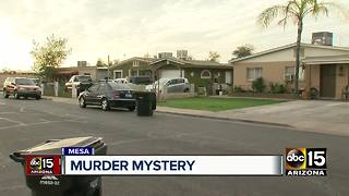 Mystery unfolds in Mesa after injured man appears on person's lawn - Video