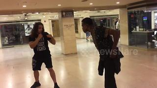 Police break up fight at Grand Central Station - Video