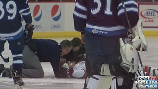 Roadrunners Cunningham collapses on ice - Video