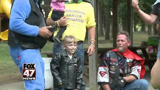 Motorcycle ride held for 8-year-old girl who was fighting cancer - Video