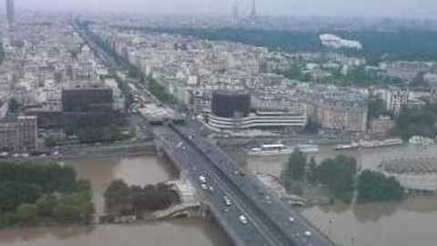 Paris Islands  Flooded as River Seine Bulges
