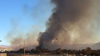 Santa Clarita Rye Fire Grows to 5,00 Acres in Hours - Video
