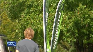 Move in day for UW-Green Bay students - Video