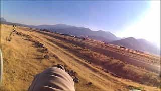 High wind gusts cause dangerous paramotor crash - Video