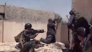 Iraqi Forces Resume Operations Against IS in Old Mosul - Video