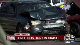 Driver dies following serious crash in Phoenix - Video