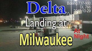 Delta flight landing at Milwaukee airport at night in Boeing 737-900 @MitchellAirport