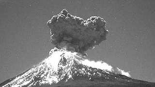 Spectacular Footage Shows Powerful Explosion at the Popocatepetl Volcano - Video