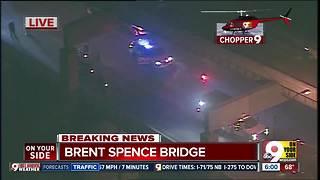 Right two lanes closed northbound Brent Spence Bridge - Video
