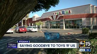 Many Toys R US locations are closing, so customers are cashing in on deals - Video