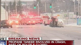 Part of Route 5 closed due to propane tanker crash in Lackawanna - Video