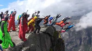 22 base jumpers dive off a cliff in Norway