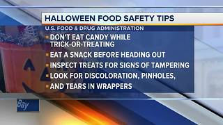 Tips for parents to make sure trick-or-treat sweets are safe - Video