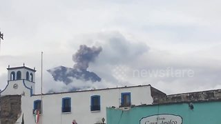 Volcano erupts in quake-hit Mexican state - Video