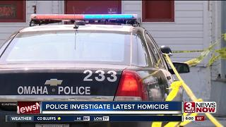 Police investigate deadly stabbing - Video