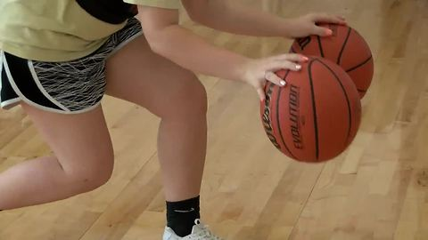Teen girls more likely to tear ACL than boys