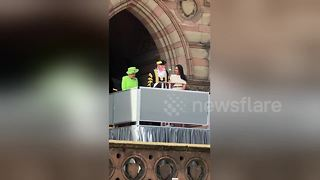 Queen and Meghan visit Chester on first joint trip - Video