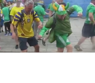 Irish Fan Shows Great Technique Against Swedish Fans - Video