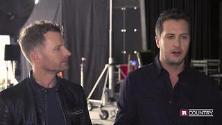 Dierks Bentley and Luke Bryan at ACMs bringing the Vegas vibe | Rare Country - Video