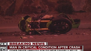 Street race ends in terrible crash - Video