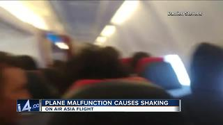 Pilot urges prayers as 'technical issue' forces turnaround - Video