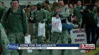 Airmen return home to Offutt for the holidays - Video