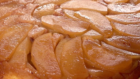 Mouthwatering Apple Up-side Down Cake