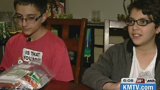 Omaha siblings make 'kindness bags' for homeless - Video
